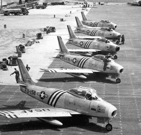 (图为美军F-86战斗机群)