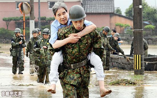 陆上自卫队实走自然灾难声援义务(日本经济音信)
