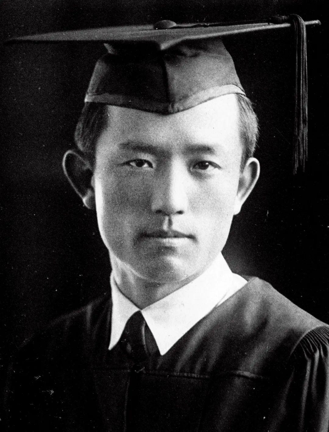 这个27岁就死于日军监狱的中国诗人,被选入韩国课本