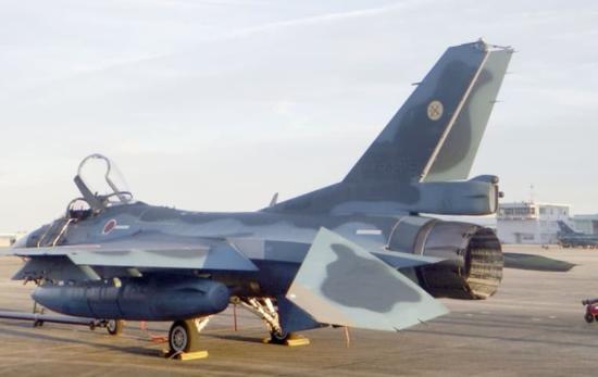 F-2战机在训练中发生意外。(图源:台媒)