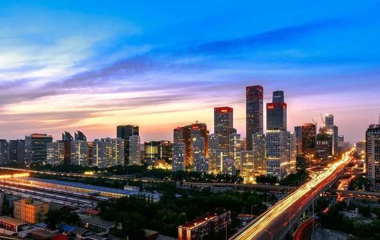 ▲北京CBD夜景 图片来源:视觉中国