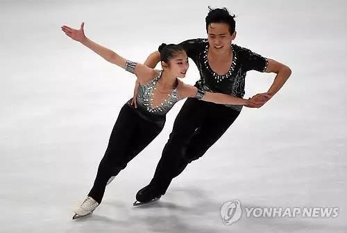 ▲朝鲜双人滑组合廉太钰、金柱希(韩联社)