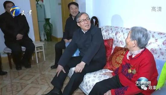 与北京、天津类似,多个省份的省委书记、省长,带队到所在战区走访座谈。