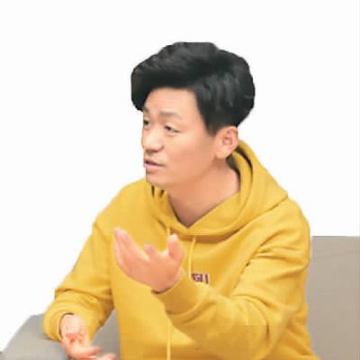 王宝强在接受采访 乔一洺摄