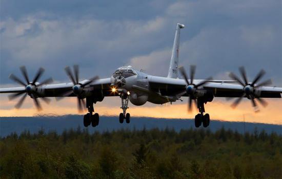 原料图片:俄海军航空兵图-142长途巡逻机。(图片来源于网络)
