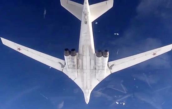 """俄轰炸机从委内瑞拉回国 曾飞美国""""后院""""10小时"""