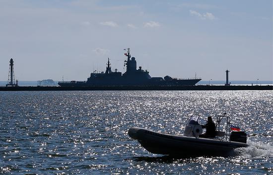 俄军对北约军演全程监视并就近军演。(图:塔斯社)