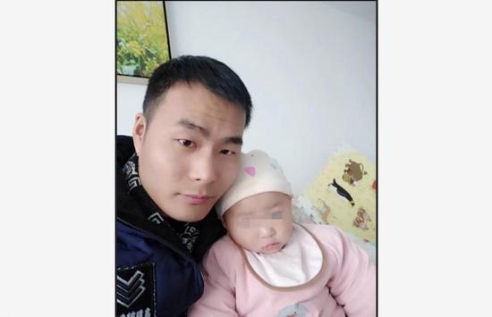 马金涛(左)
