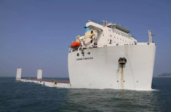 """▲广船国际造5万吨半潜船""""祥云口""""号"""