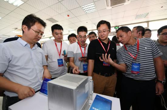 """▲9月4日,""""5G+AI""""铁路智慧机务系统在西安正式投用。(新华社)"""