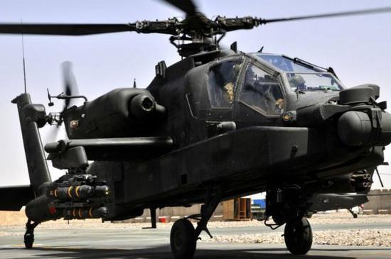 图为AH-64D武装直升机