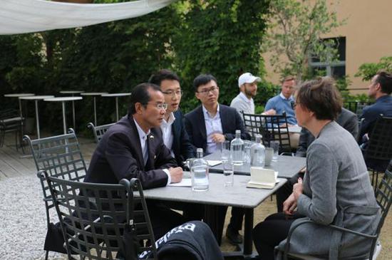 桂从友大使敦促瑞方尽早同意将乔建军引...