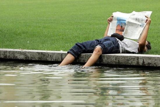 调查显示近7成瑞士人更爱纸质报纸 不上网看新闻瑞士报纸纸质
