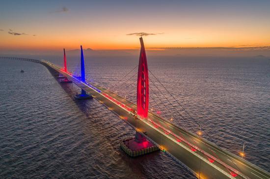 美轮美奂的港珠澳大桥