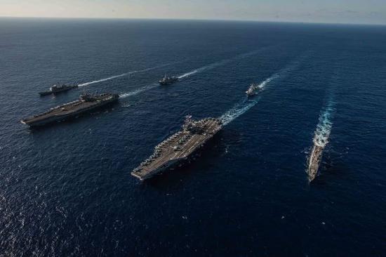 资料图片:美海军双航母打击群。(图片来源于网络)