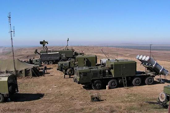 """俄军""""舞会""""岸基导弹编制发射车及辅助车辆原料图。"""