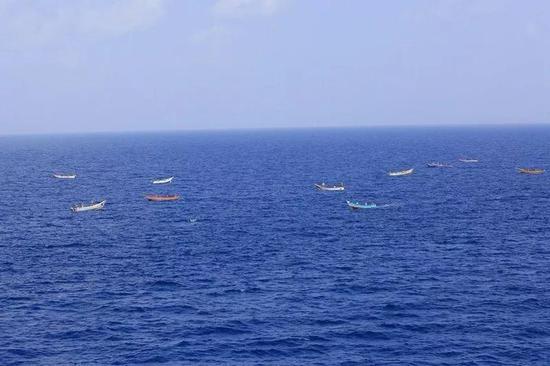 ▲多艘小目标在护航海域游弋
