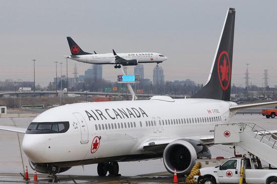 当地时间3月13日,添拿大众伦众,机场的波音737 MAX 8飞机。图/视觉中国