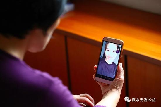 小草现在就读于中国人民公安大学