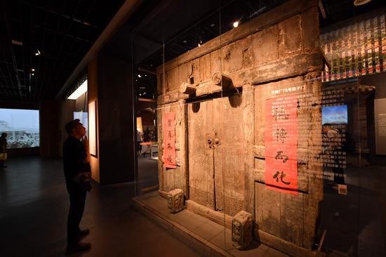 方砖厂胡同。75号蛮子门亮相《档案见证北京》展览,表现北京胡同。风貌。摄影/新京报。记。者 李木易