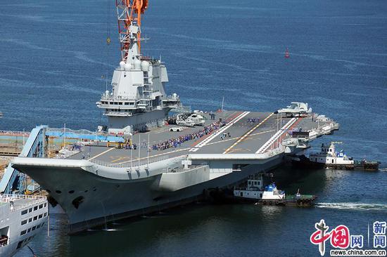 2019年8月23日,辽宁大连,首艘国产航母完成第七次海试,返回大连造船厂。今次海试自8月1日起,共持续长达22天。南宫傲青/IC photo