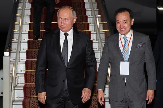 普京抵达乌兰巴托 对蒙古国进行正式访问(图)