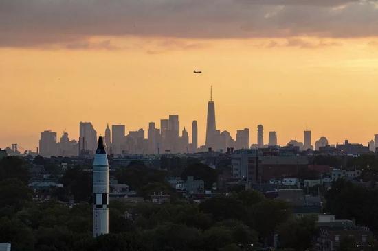 纽约曼哈顿的天际线。新华社记者李木子 摄