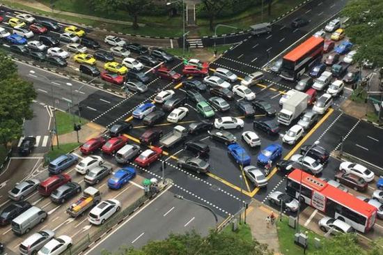 新加坡的汽车保有量是政府的严控对象
