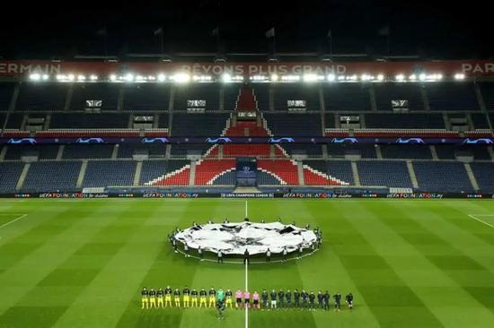 3月11日,在2019-2020賽季歐洲足球冠軍聯賽八分之一決賽第二回合比賽中,法甲巴黎圣日耳曼隊主場以2比0戰勝德甲多特蒙德隊,從而以總比分3比2晉級八強。新華社/路透