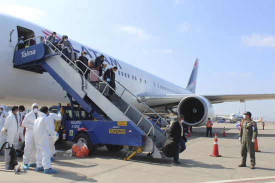 秘鲁:将于近期陆续接回6000名滞留海外的秘鲁公民