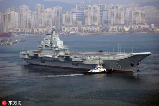 2月24日驶离大连的辽宁舰