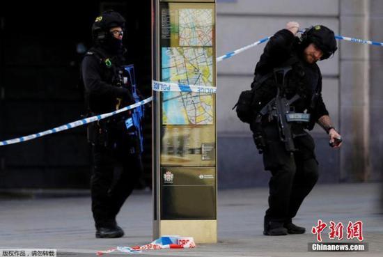 英國為倫敦恐襲案死者舉行紀念會 約翰遜出席致哀