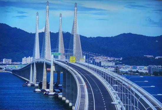 马来西亚槟城第二跨海大桥亮相,这是中国承建的东南亚最长跨海大桥。