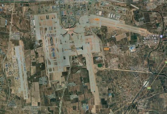 同比例下大興機場的衛星圖