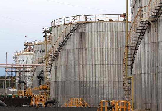 哥伦比亚国家石油公司储油设备(图源:路透社)