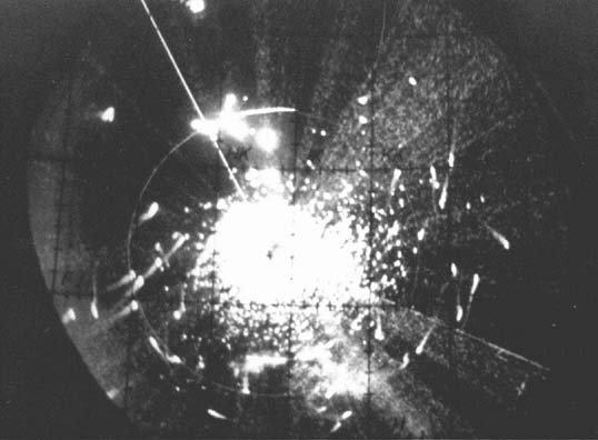 资料图片:遭干扰的雷达屏幕资料图。(图片来源于网络)