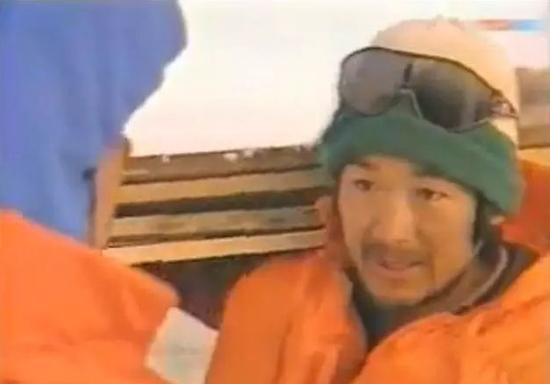 演员张国立曾炸浮冰救科考船 荣获个人二等功