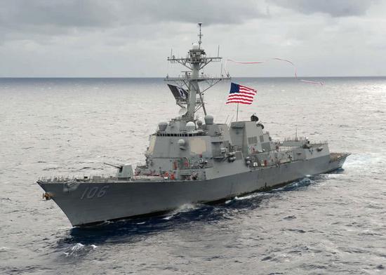 美国海军伯克级导弹驱逐舰。
