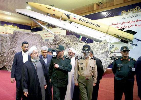 """伊朗""""征服者313""""导弹"""