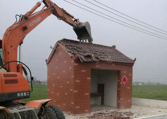 江苏高邮全市拆除土地庙:该地区土地庙滥建翻建现象严重