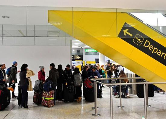 无人机干扰致伦敦机场关闭36小时 涉事2人被逮捕