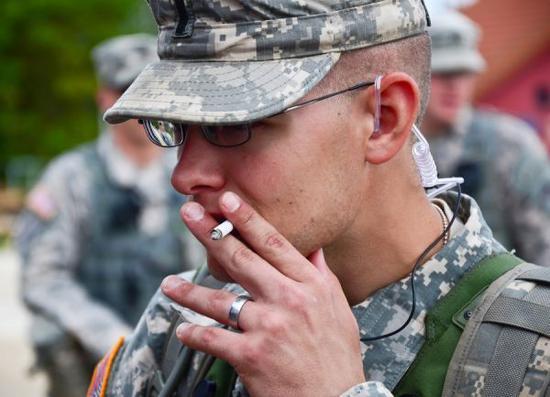 美报告揭军队健康问题:3成军人酗酒 5成睡眠不足
