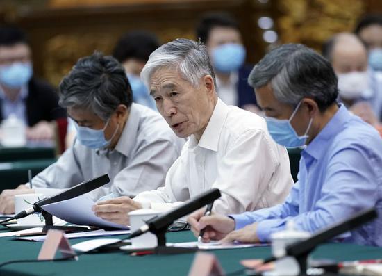 王晨光在座谈会上发言。 新华社记者 姚大伟 摄