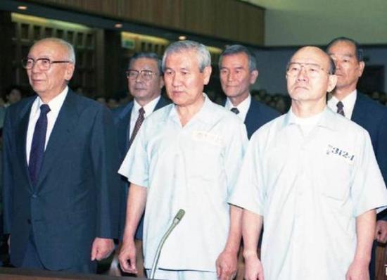韩国前总统全斗焕和卢泰愚
