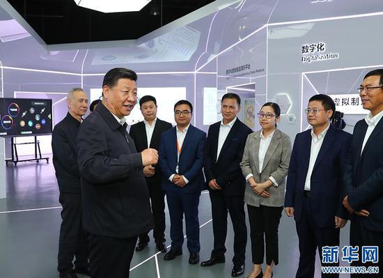 这是10月24日下午,习近平考察广州明珞汽车装备有限公司。 来源:新华网