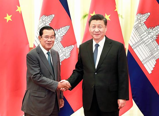 △2月5日,习近平在北京人民大会堂会见柬埔寨首相洪森。