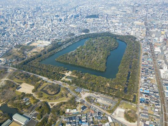 """486米长的仁德天皇陵(日本网站""""nippo.com"""")"""