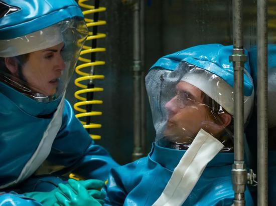 2019年5月开播的美剧《血疫》讲述了有关埃博拉病毒的故事,图为剧照。(图片来自网络)