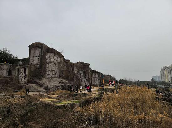 """柯桥羊山公园,因云贵川人经常去此地拍段子,被他们称为""""云贵川""""的天下。"""