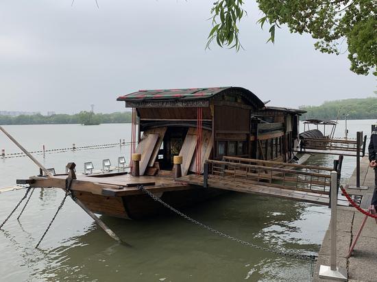 嘉兴南湖红船。澎湃新闻记者 马作鹏 图